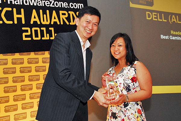 Dell's Alienware won the Reader's Choice for Best Gaming Notebook Brand. Here's Ms. Adeline Lee, Manager, Corporate Communications, Global CSMB, Dell Global Business Center Sdn. Bhd., accepting the award.