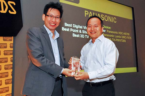 Panasonic won a total of four awards this year, including Reader's Choice for Best Plasma TV Brand, and Editor's Choice for Best Point & Shoot Camera. Mr. Motoki Nakahara, General Manager, Panasonic Marketing Asia Pacific, was present to accept the awards.