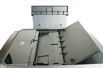 Other than the 150-sheet cassette at the base, there are two more ways to load paper: the 150-sheet rear tray and the 35-sheet ADF. Auto duplex (two-sided) document scanning and copying can be done using the ADF.