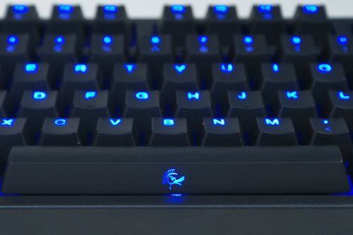 The Ducky DK-9008 Shine is a backlit mechanical keyboard that sports a 104+4-key US ASCII layout.
