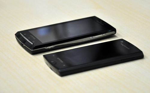 The ray sports a clear black glass front, especially discernible when placed next to the Xperia X10 - the latter does not come with the same glass material.