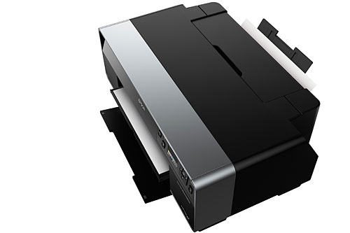 The single sheet manual feeder at the front also holds up to A3+ paper; it's designed for thicker paper such as fine art paper and media up to 1.3mm thick. Compared to the R2880 where you need to attach a single-sheet guide at the back of the printer, with front-loading, you can push the R3000 nearer against the wall.