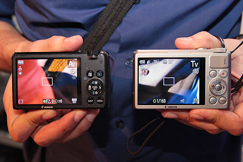 Here's a comparison shot from the back. Notice the small thumb rest for the S100.