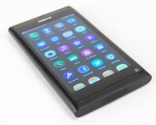 An edge-to-edge design means the 3.9-inch AMOLED display gets more real estate space on the N9. The noticeable items missing on the front, are hardware buttons to navigate through the user interface.