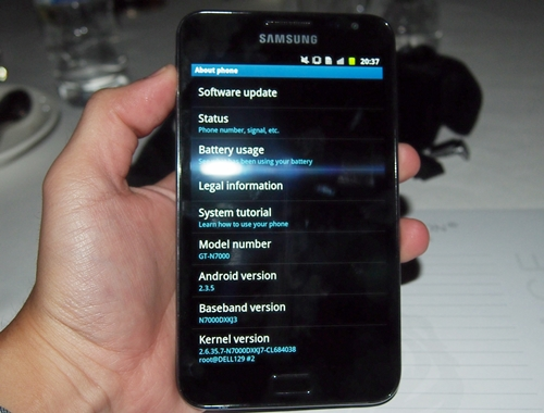 It is a pity that the Samsung Galaxy Note does not run on the latest Android 4.0 Ice Cream Sandwich. It currently ships with Android 2.3.5 Gingerbread.