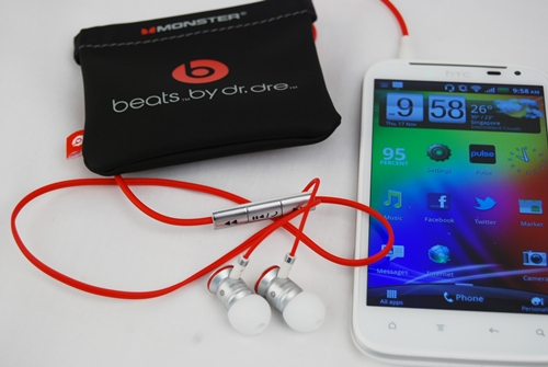 The custom-made HTC urbeats earphones by Dr. Dre sports white ear plugs to match the HTC Sensation XL.