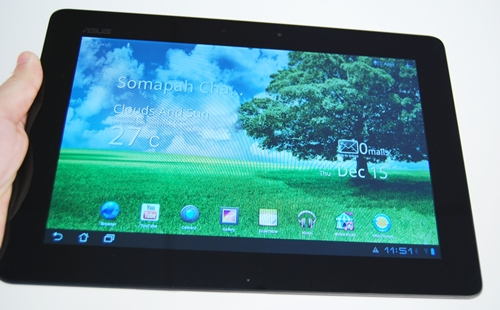 The Transformer Prime may sport the same display size (10.1-inch) as its predecessor, but under the hood, it comes with new features that will blow the competition away.