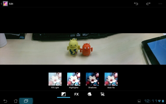 End results of panorama shots are mixed with the app having difficulty connecting the different frames together neatly.  The user also plays an important part - going too fast will result in a less than satisfactory shot as seen above. (notice the portion above the red Android robot)