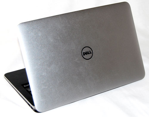 To make the lid as strong as possible, Dell also made sure the lid holding that Gorilla Glass in place is made of very strong aluminum. The material used was also a fair bit thicker than those used on competitors' machines. This contributed to a machine's slight heft, but it is surely sturdy and strong.