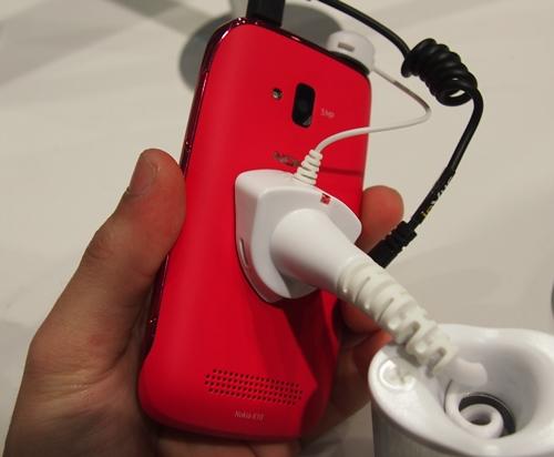 The Nokia Lumia 610 comes with a 5-megapixel autofocus camera with LED flash.