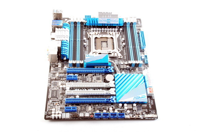 While ASUS has reserved the black and red color scheme for motherboards under the Republic of Gamers (ROG) lineup, the black and blue combo is for more mainstream models such as the P9X79 Deluxe.