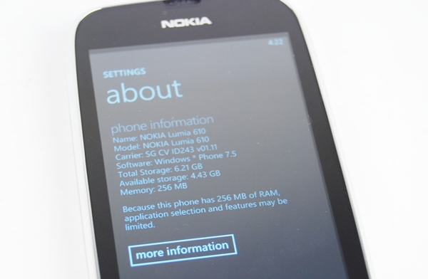 Users have to also take note of the limited 8GB internal storage on the Lumia 610. With no memory card slot, you have to rely on the free 25GB SkyDrive account for storing some of your less often used files or those that are excessively large.