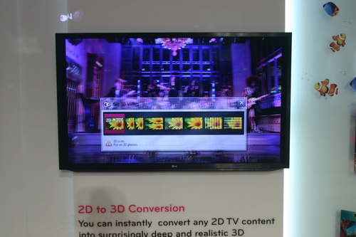 Demonstrated in this photo is the 2D-to-3D feature of LG's Cinema 3D Smart TV. With the help of this feature, users can watch in 3D a video content that is natively rendered in 2D.