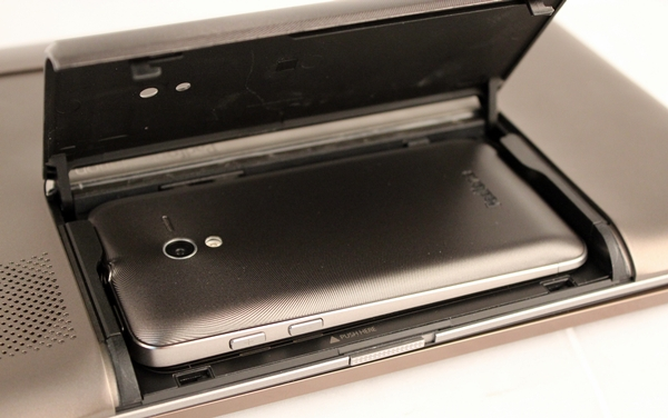 Step 2: Slot in the ASUS PadFone facing down into the dock and make sure it is locked in place.
