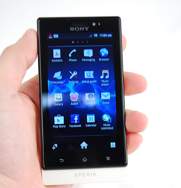 We liked how the Sony Xperia Sola feels in the hands. Its design is well-built yet remains lightweight and compact.