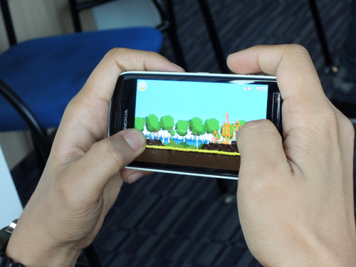 It can run popular games such as Angry Birds and the more demanding Asphalt 6.