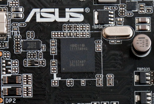 The largest IC on the expansion card has the following marking: Z215T004G. It is the same chip integrated into the schema of the P8Z77-V Premium, a Thunderbolt-equipped motherboard from ASUS.