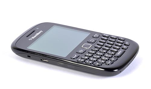 BlackBerry Curve 9220 – Smart and Curvy