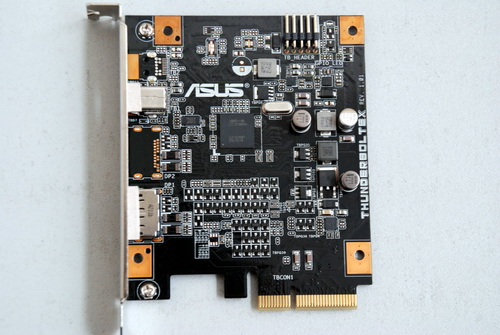 Shown here is the ThunderboltEX's printed circuit board. On the upper right, the card has a 9-pin connector that links to a Thunderbolt header.