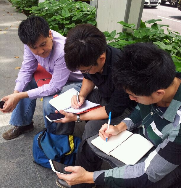 We conducted the street testing along Wheelock Place. SingTel's technicians were on the ground to provide guidance and support for the 4G LTE testing.