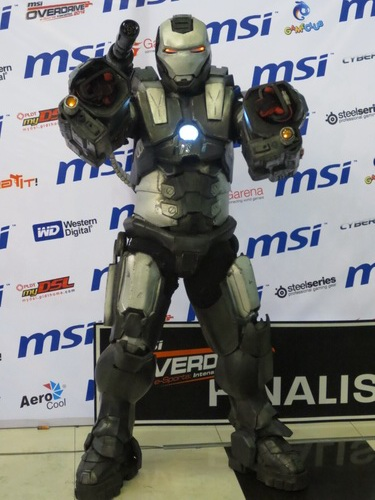 War Machine also graced the said event and was willing to have his photo taken with you!