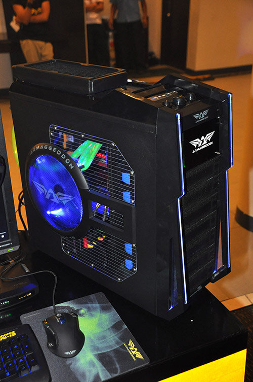 Another desktop which features the Megatron T5 chassis, Alien G11 mouse, and Gigafreeze liquid cooling system.