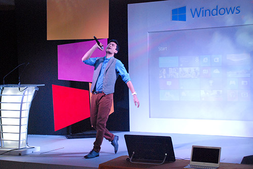 The Asian Sensation Christian Bautista showed off his singing skills after the closing remarks. He was also present during the Windows 8 launch in Singapore.