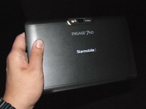 Starmobile Engage 7HD (back)