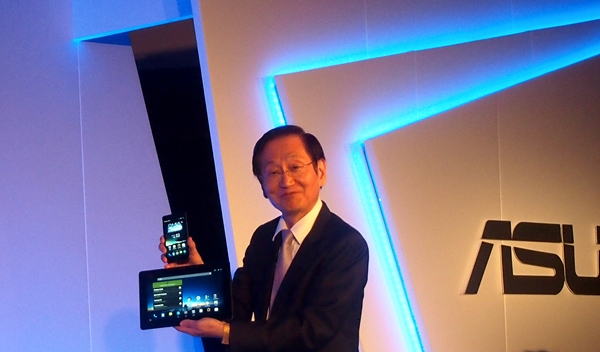 Jonney Shih, ASUS Chairman was on stage to unveil the PadFone Infinity and its new PadFone Station.