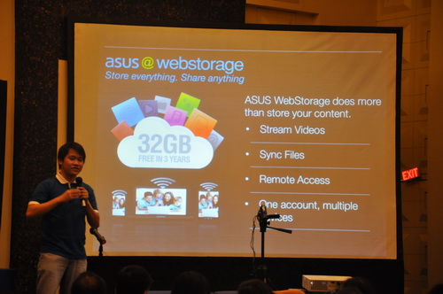 As explained by ASUS Philippines' Technical PR Specialist Eason de Guzman Jr., ubiquity is realized with ASUS products as they leverage on cloud-based technologies such as WebStorage.