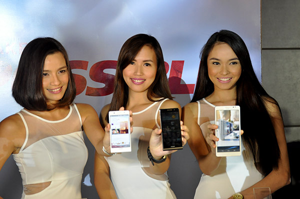 Huawei's Ascend P6 (left and middle) and Ascend Mate (right) finally hit local shores.