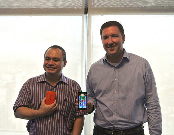 Karel Holub, General Manager of Nokia Philippines, and Mike Smith, Product Manager at Nokia Philippines, showcase the new Lumia 625.