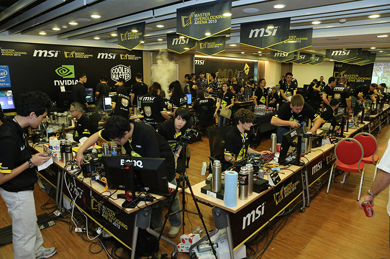 The participants didn't waste time as they started overclocking once they've finished setting up.