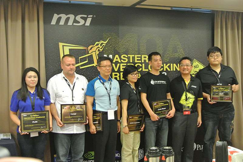 Intel, Corsair, Cooler Master, Plextor, and BenQ were given recognition during the start of the event.