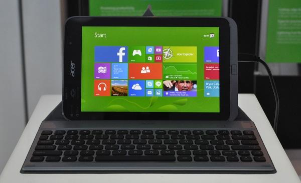 Acer W4 được thiết kế với cấu hình mạnh hơn