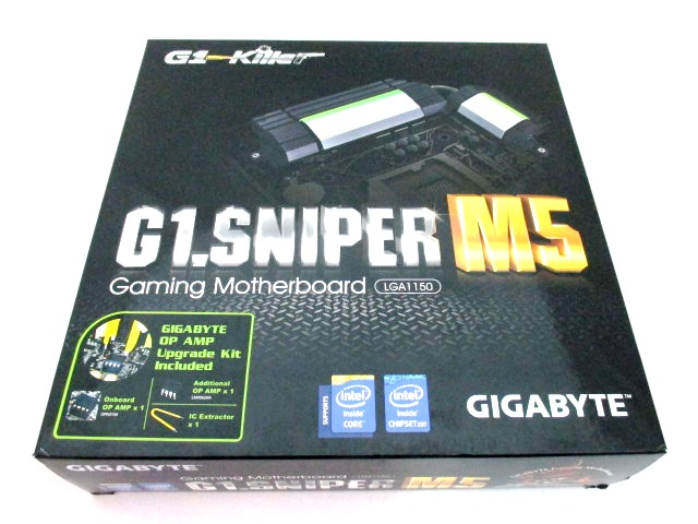 Packages of G1-Killer motherboards that we reviewed in the past were big and bulky. In the case of the G1.Sniper M5, it is totally different.