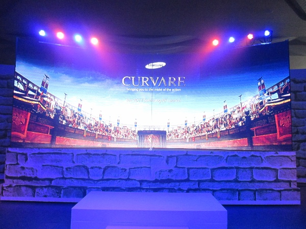 "With the title ""Curvare,"" the Latin equivalent of the English word ""stooping"" which means ""to bend,"" this year's Samsung AV Roadshow clearly highlights its line of Series 8 curved televisions."