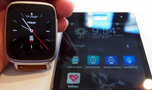 It can be a hassle to download five apps to maximize the features of the ASUS Zen Watch.