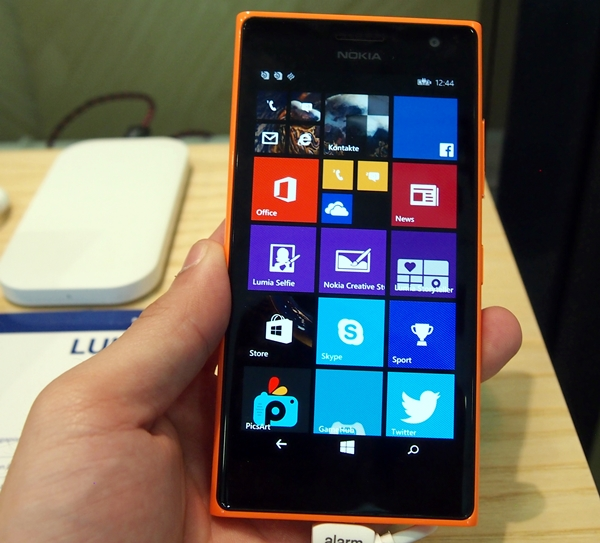The Lumia 730 has a 4.7-inch HD OLED display, which complements the colourful tiled-interface of Windows Phone.