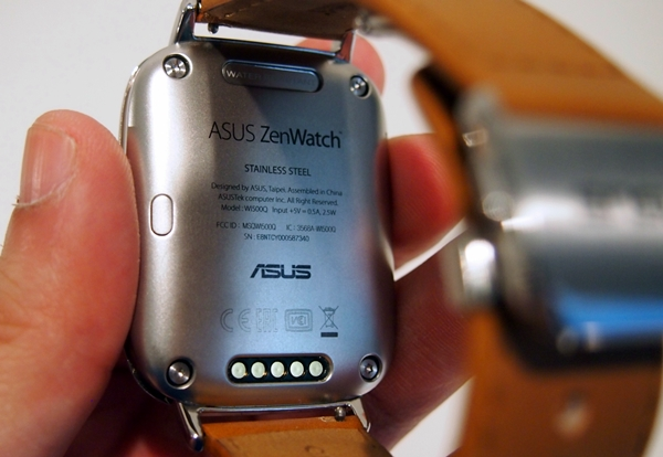 The stainless steel rear of the ASUS Zen Watch looks very classy.