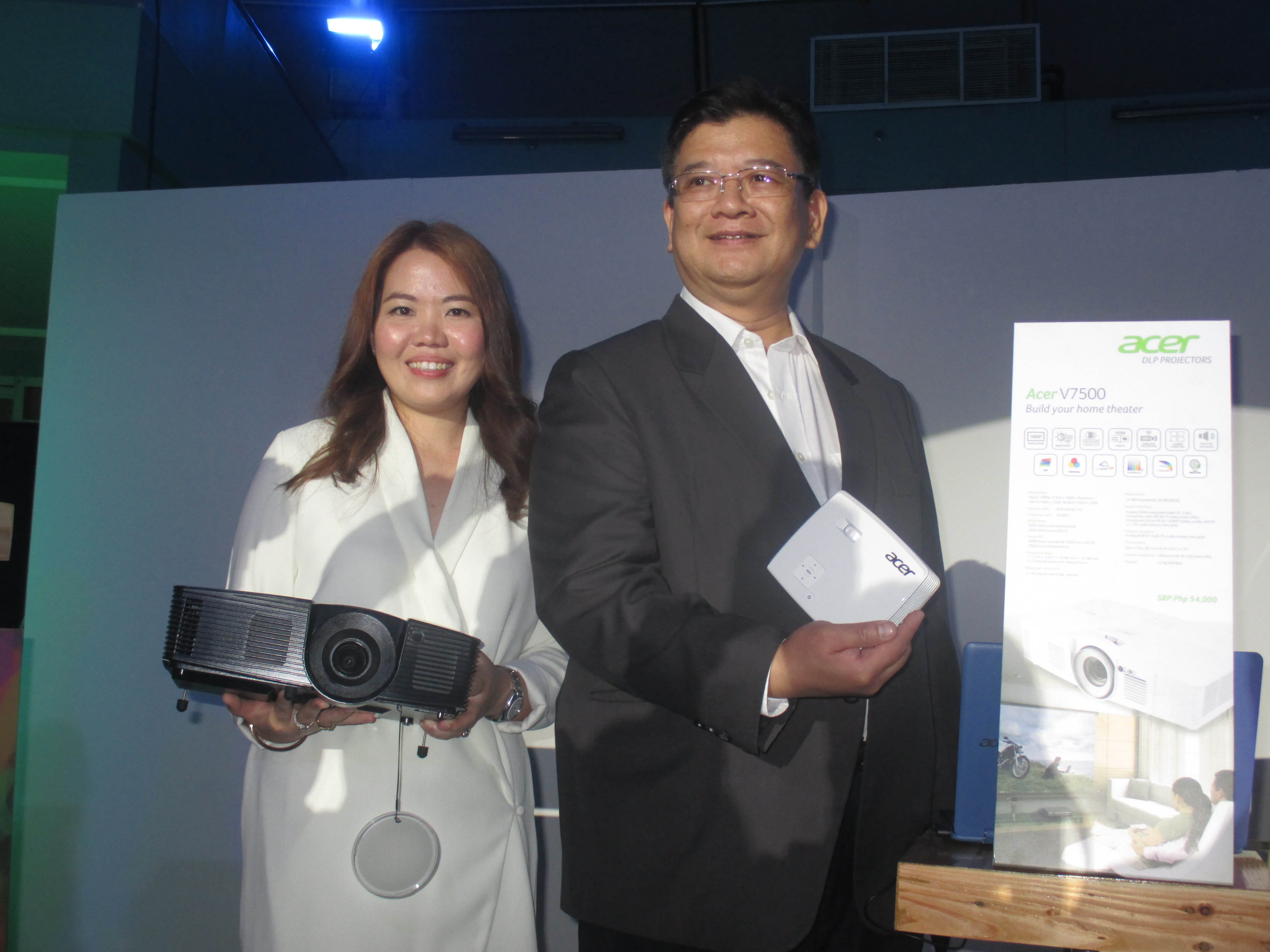 Acer Philippines' Sales and Marketing Director Sue Ong Lim and Country General Manager Manuel Wong.
