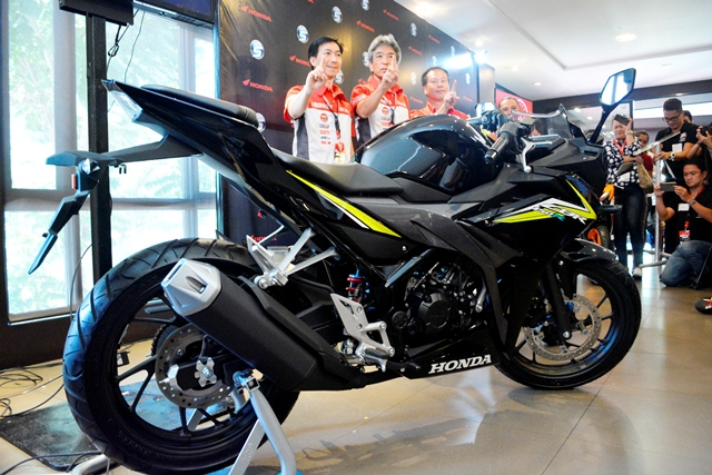 The Black Variant Is Basic Model Of Honda CBR150R With A Retail Price