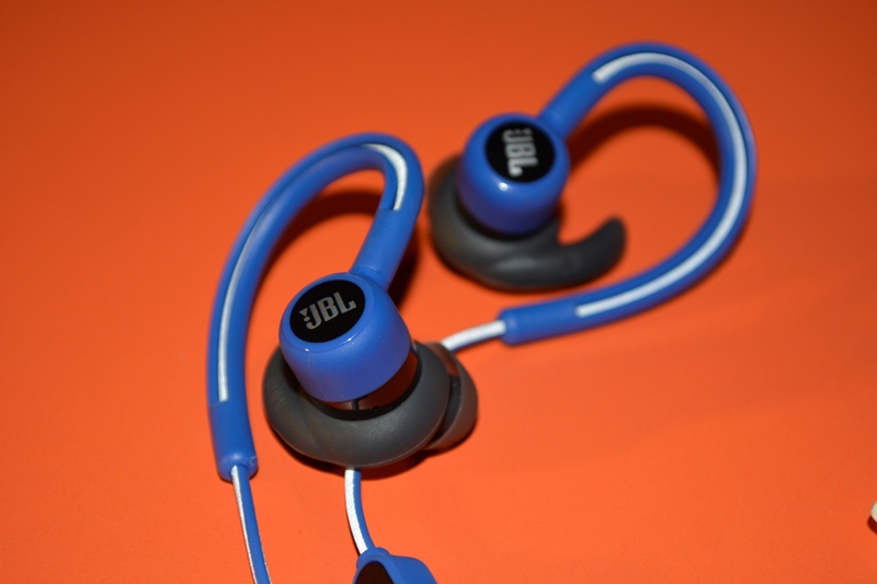 JBL Reflect Contour (Price: PhP 4,599)
