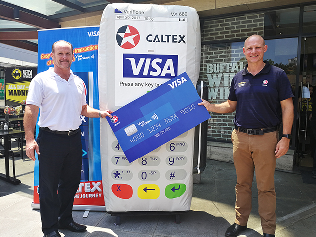 Stuart Tomlinson, Visa Country Manager for the Philippines and Guam (left) and Peter Morris, General Manager for Chevron Philippines Inc. (right) graced the Caltex Visa PayWave media launch.
