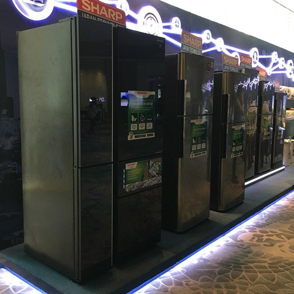 sharp, kazuo kito, aquos, lc-80xu930x, android tv, lc-70xu830x, x8 master engine pro, quattron pro, sj-ftf23avp-bk, actifresh hybrid cooling, plasmacluster ion, fp-gm30e-b, dengue, zika, mosquito, robohon, smartphone, healsio, ax-xw300, oven