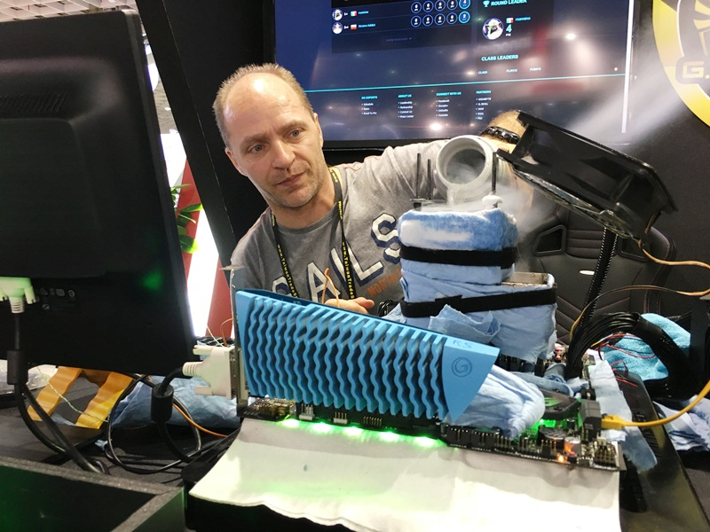 g.skill, gskill, memory modules, ram, kits, geekbench3, 3dmark11, cinebench r15, computex 2017, trident z, ddr4, intel core x-series, processor, liquid nitrogen, ln2, roberto sannino, rsannino, asrock, x299 oc formula, motherboard, gigabyte, x299 soc champion, intel x299, overclocking, asus, prime x299-deluxe, evga sc17, gaming laptop