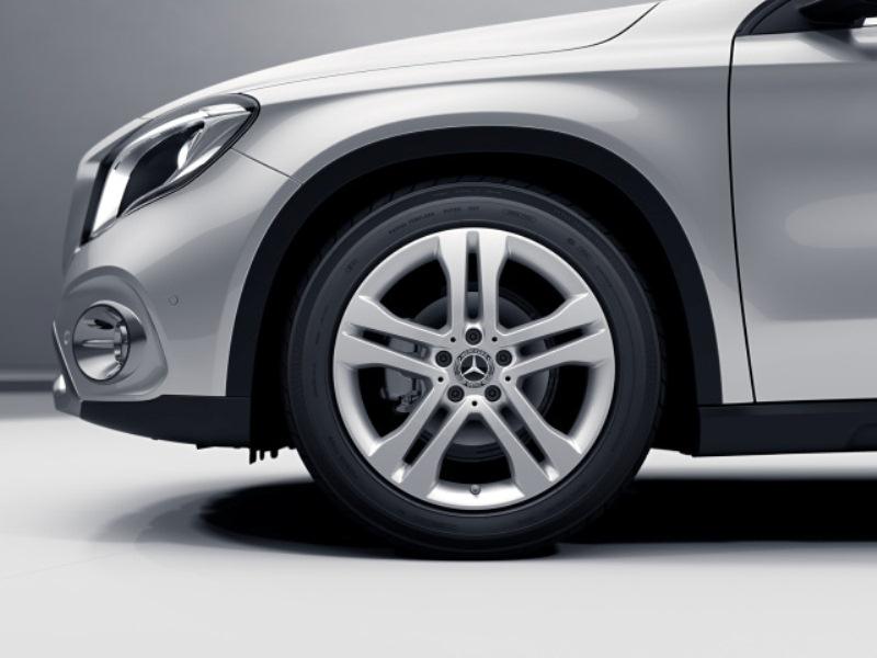 mercedes-benz, mercedes-benz gla, compact suv, automotive, car, vehicle, luxury, horsepower, torque