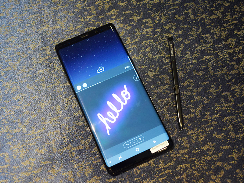 """To """"add a personal touch"""" to messages, Samsung has introduced the Live Message feature on the Note8."""