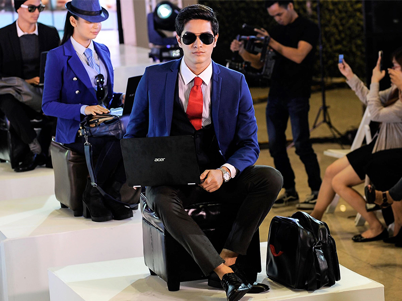 The bags under the Acer x Salvatore Mann collection were showcased in a fashion show-themed event.