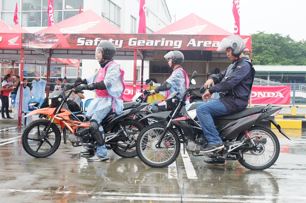 honda philippines, motorcyles, rs125, xrm 125 series, zoomer-x